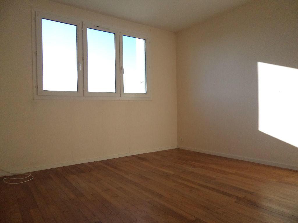 Appartement louer bordeaux comment constituer un for Appartement bordeaux location pas cher