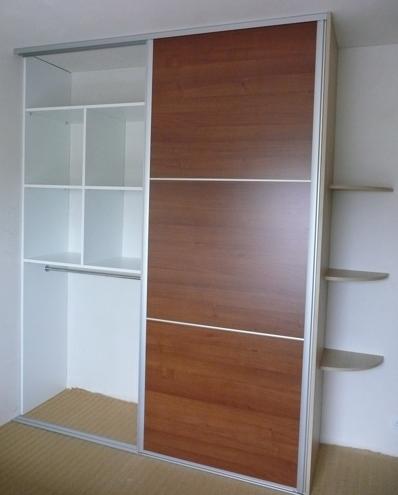Comment am nager un placard for Placard de chambre moderne